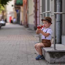 Soft drink by Piotr Owczarzak - Babies & Children Children Candids ( mogilno, children, poland, boy, drink, kids )
