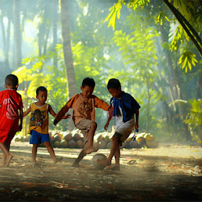 Playing by Tu Eka - Babies & Children Children Candids