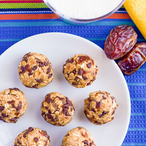 4-ingredient No-bake Chocolate Chip Cookie Balls