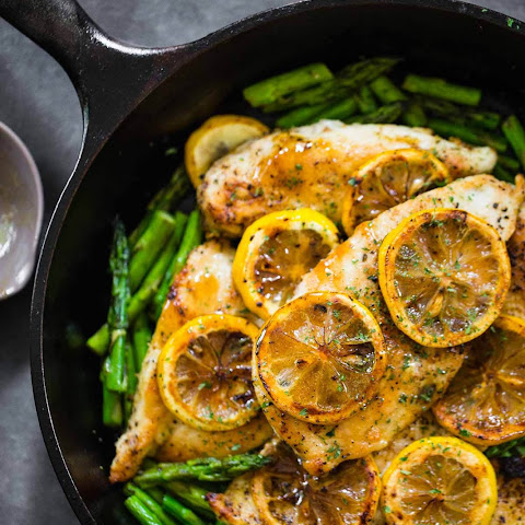 Lemon Chicken with Asparagus Recipe in Under 20 Minutes – 5 Ingredients