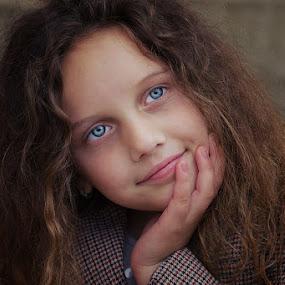 Lana by Nediljko Prološčić - Babies & Children Child Portraits ( child, woman, hair, portrait, eyes )