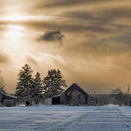 Rang Giroux, Mirabel QC by François Quesnel - Landscapes Travel ( winter, sunset, snow, rural, snowy road )