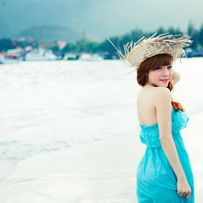 Summer Girl by Tie Min LF - People Portraits of Women ( summer girl con dao tie min lf beach sunset sunrise )