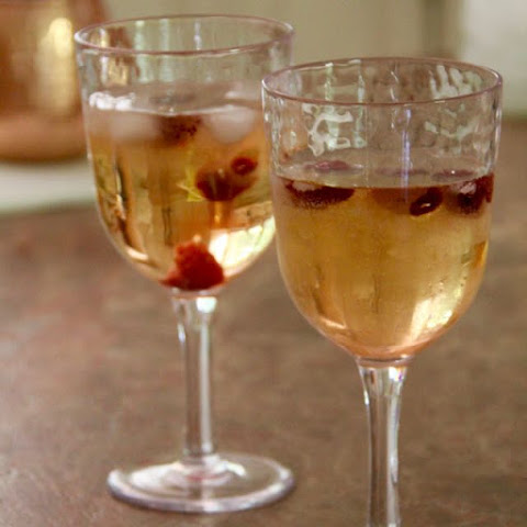 How to Make Wine Spritzer