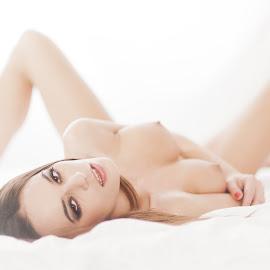 High key by John Einar Sandvand - Nudes & Boudoir Artistic Nude