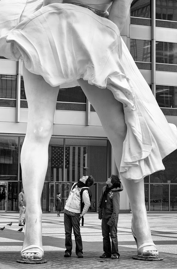 to be young again by Jeff Chandler - News & Events World Events ( marilyn monroe, black and white, white, chicago, black, street photography )