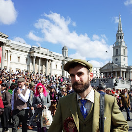 Untitled No2 by Danny  Mac - People Street & Candids ( london, trafalgar square, tweed )
