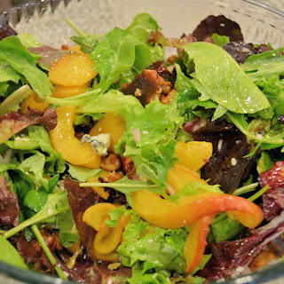 Peach and Gorgonzola Salad with Tangy Peach Dressing