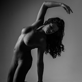 Donna 1 by Vincent Yates - Nudes & Boudoir Artistic Nude ( contrast, pose, nude, black and white, arm up, artistic )
