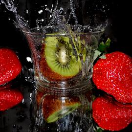 kiwi in the glass by LADOCKi Elvira - Food & Drink Fruits & Vegetables ( fruits )