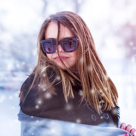 Winter Girl by Nikolá Nikolić - People Fashion ( girl, winter, beautiful, snow, lips, hairstyle, beauty, sunlight, hair, sunglasses )