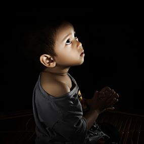 Praying in the dark by Henry Adam - Babies & Children Children Candids ( pwcflashes )