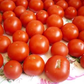 Tomato by Drago Ilisinovic - Novices Only Objects & Still Life
