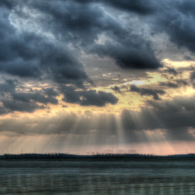 Sunlight Beams by Alex Heimberger - Landscapes Sunsets & Sunrises ( field, clouds, illinois, bust, sunset, pwcsunbeams-dq, travel, sunlight )