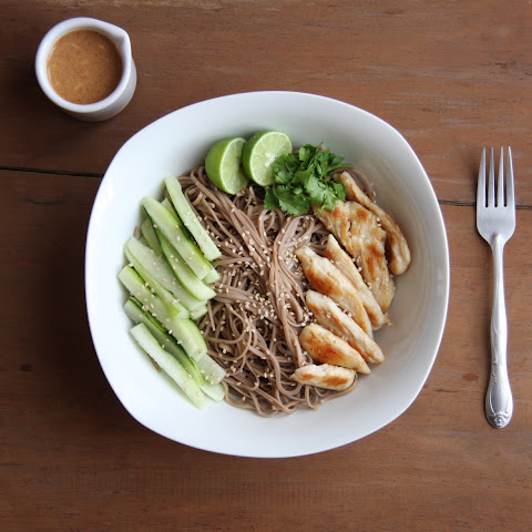 Chicken Soba Noodles with Spicy Peanut Sauce