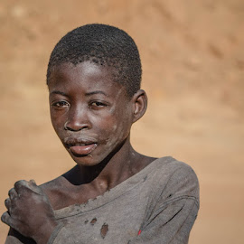 by Cesar Passinhas - Babies & Children Child Portraits ( angola, huambo, children, africa, caala )