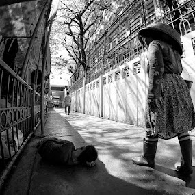 Homeless by Ferdinand Ludo - City,  Street & Park  Street Scenes ( homeless, cebu, philippines, downtown, , Urban living, tokai art station )