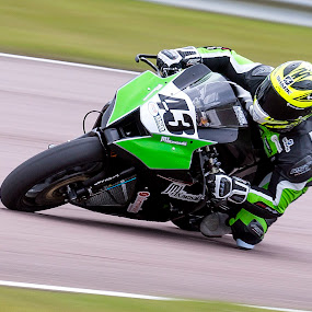 Howie Mainwaring, British Super Bikes, Thruxton UK by Kain Dear - Sports & Fitness Motorsports ( lean, bike, speed, bikes, bsb, down, fast, knee, angle )
