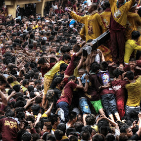 Feast of the Black Nazarene by Ronnie Garcia - News & Events World Events ( quiapo, black nazarene, manila, philippines )