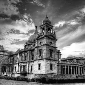 VICTORIA MEMORIAL HALL by NEELANJAN BASU - Buildings & Architecture Public & Historical ( black and white, pwcbuilding )