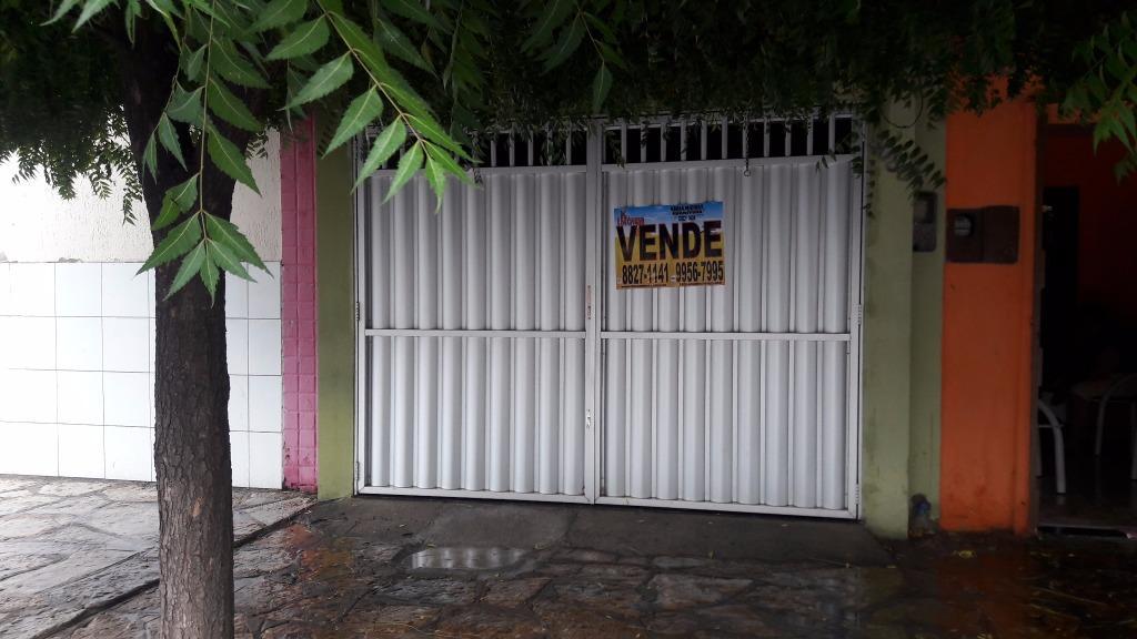 Vende-se duas na Avenida Alberto Maranhão