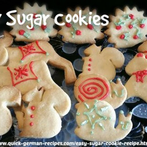 Easy Sugar Cookie Recipe (Zuckerplätzchen)