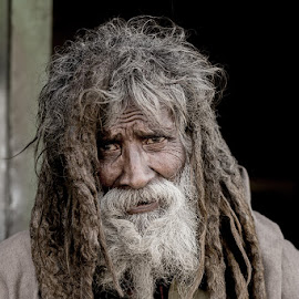 Sain by Furrukh Shahzad - People Portraits of Men ( face, hafizabad, furrukh, shahzad, old man, gray, hair, people, portrait, human, wrinkled )
