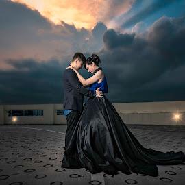 Sunset pair by Wang David - Wedding Bride & Groom ( david wang pixels, pre-wedding, wedding, the wedding boss, bonjangles, wedding shoots )