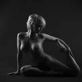 Janica by Simo Järvinen - Nudes & Boudoir Artistic Nude ( studio, person, model, monochrome, nude, black and white, female, naked, woman, blond, people, portrait,  )