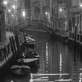 Venice-time trevel. by Estislav Ploshtakov - Black & White Street & Candid