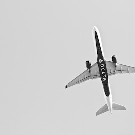 by Jeannette Thalmann-Bendeth - Transportation Airplanes