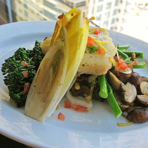 Pan-Seared Halibut with Steamed Broccolini