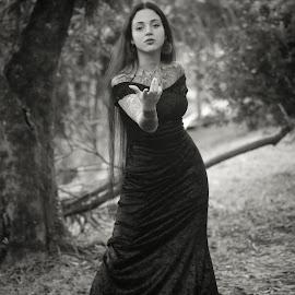 Siddharta Gabriella by Gabriel Fox - Black & White Portraits & People ( forest, pose, woods, dark, black, model, goth, portrait )
