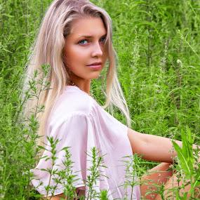 Rita by Sergey Kuznetsov - People Portraits of Women ( beauty, model, blonde, girl, summer )