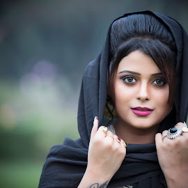 RUPSHA by Red Photography - People Portraits of Women ( best female portraiture )