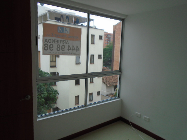 apartamento en arriendo el portal 594-10269