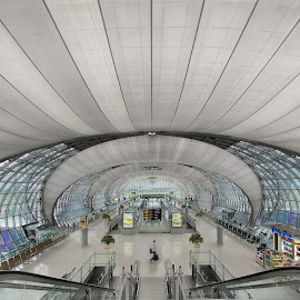 Suvarnabhumi Airport by Wang David - Buildings & Architecture Other Interior ( 1st q, suvarnabhumi airport, clear desktop, desktop, mix, junk )