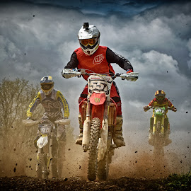 Crazy Race ! by Marco Bertamé - Sports & Fitness Motorsports ( clouds, 94, speed, green, 55, number, yellow, race, noise, 161, red, motocross, dust, three, clumps, grey )