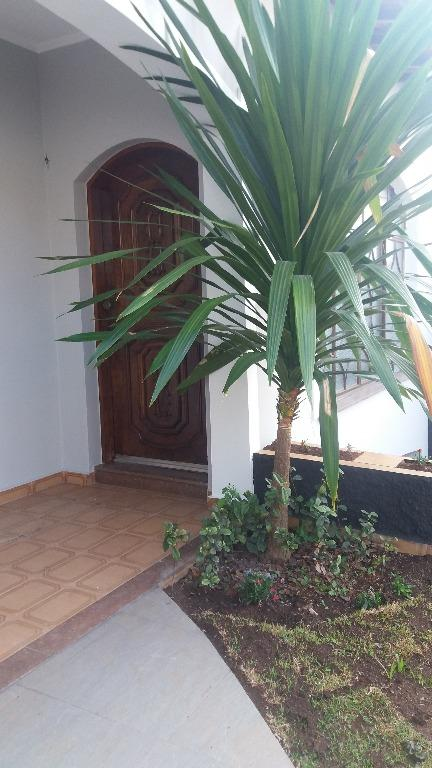 Casa com 3 dormitórios para alugar, 278 m² por R$ 2.200,00/mês - Jardim Europa - Bragança Paulista/SP
