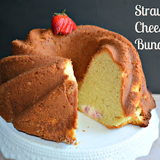 Strawberry Cheese Cake Bundt Cake #BundtBakers