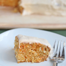 Carrot Cake with Spiced Creamy Cream Cheese Frosting