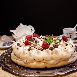 Yummi meringue cake by Marie-ange Chevalier - Food & Drink Cooking & Baking