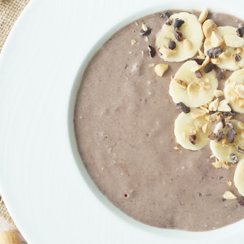 Healthy Chocolate Peanut Butter & Banana Smoothie Bowl
