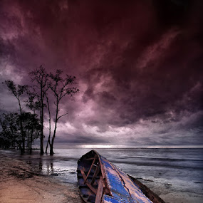 BROKEN by Farid Wazdi - Landscapes Beaches