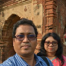 Happy Couple  by Anuttam Jana - People Couples ( aranijana@rediffmail.com, aahelijana@rediffmail.com )