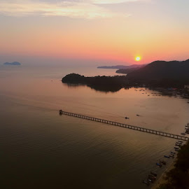 by Alvin Ngow - Instagram & Mobile Android ( landscapes, sunrise, waterscapes, relax, relaxing, tourist attractions, scenery, sea, red, sunset, bridge, travel, photography,  )