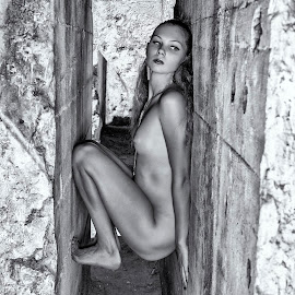 Tight Squeeze by Kens Yeaglin - Nudes & Boudoir Artistic Nude ( zoevandolof, black and white, sasco mine, outdoors, ruins, nuse )