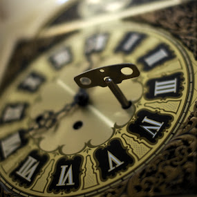 clock key by Earl Wyant - Artistic Objects Antiques ( time, shallow depth, clock, key )