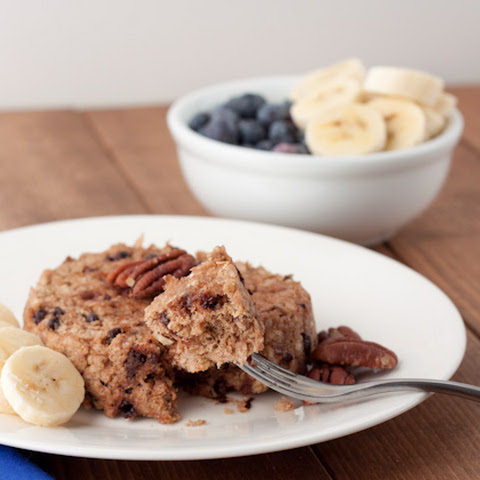 5 minute Banana Chocolate Chip Quinoa Flake Bake