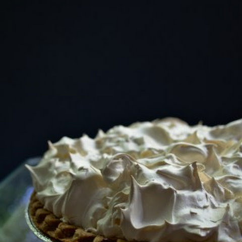 Mr Meringue Makes a Mean (Lemon!) Pie